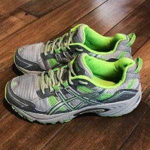 ASICS size 7 women's Gray & green running shoes